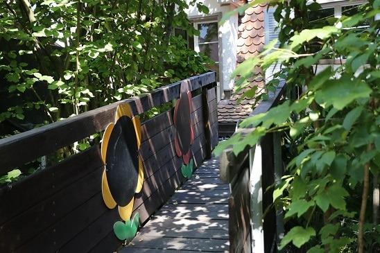 Kita Farfallina - Zugang Garten zu Terrasse